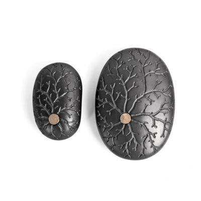 18. Koester duo magnetiet, 4.8 cm en 7 cm, 18 krt goud, € 750
