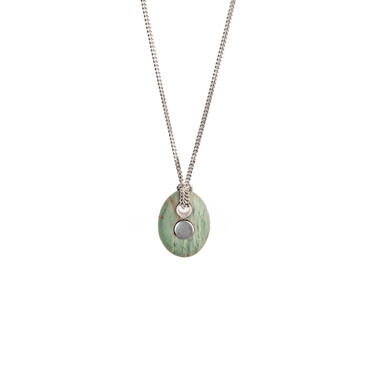 17. Koester ashanger prasem, 2.2 cm, zilver, € 225