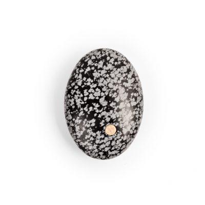 9. Koester sneeuwvlokobsidiaan, 7 cm, 18 krt goud, € 300